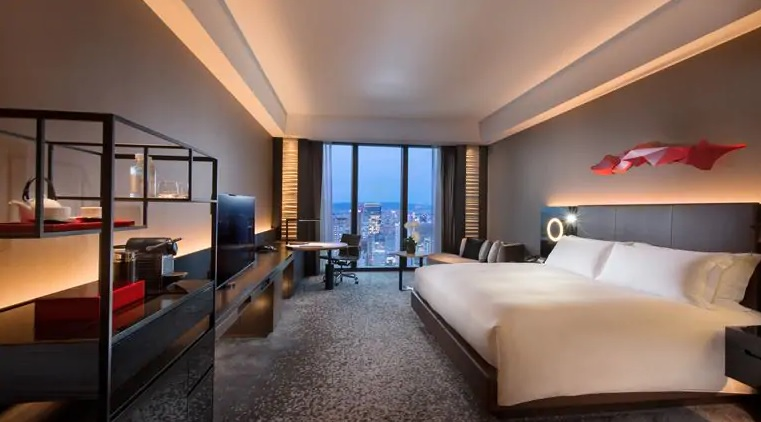 day trip osaka and stay in Conrad Osaka hotel